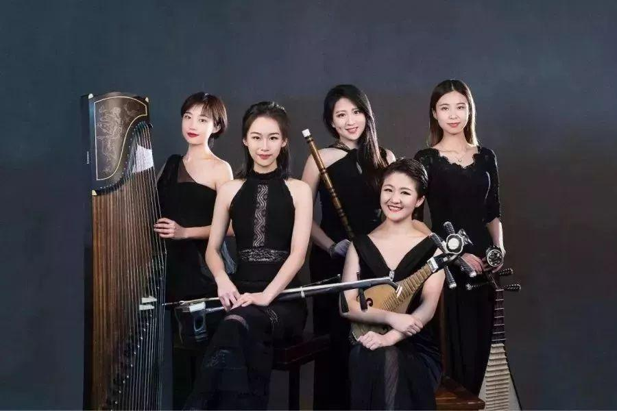 Students-of-Shanghai-Conservatory-of-music