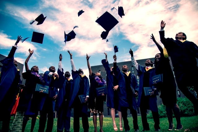 Graduation-photo-of-Tianjin-Vocational-and-Technical-Normal-University