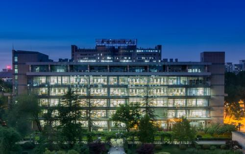 Night-view-of-Beijing-University-of-Chemical-Technology
