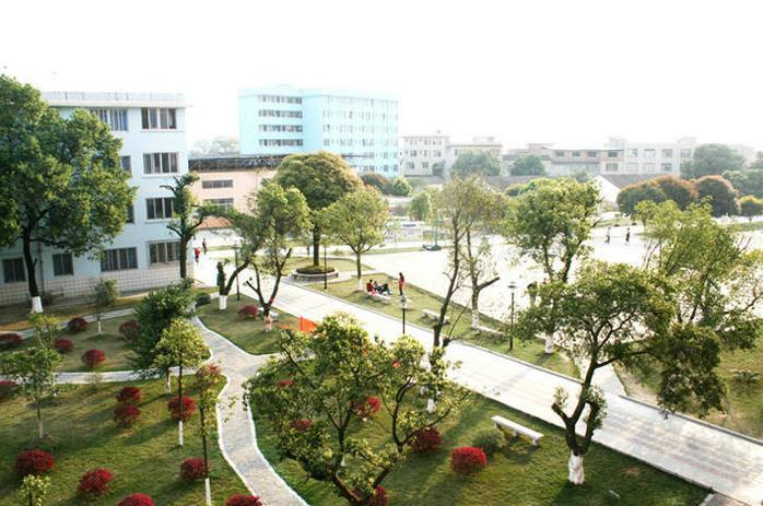 Campus-view-of Guilin-Shanshui-Vocational-Colleg-13