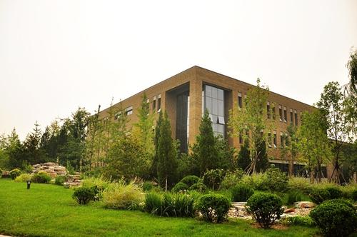 Lawn-of-Central-University-of-Finance-and-Economics