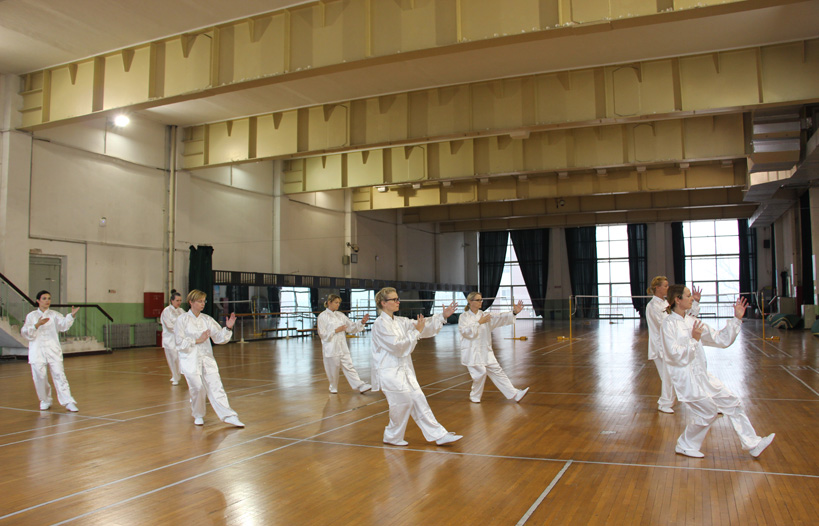 Foreign-students-of-Capital-Institute-of-physical-education study-Wushu